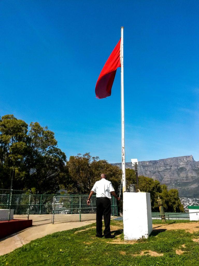 Dudley raising the flag