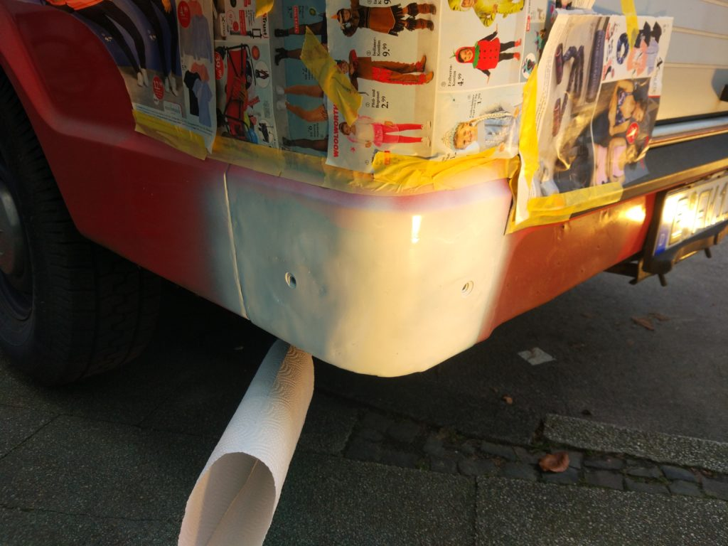 Restauration Basisfahrzeug Roststelle spachteln Glasfaserspachtel Grundierung